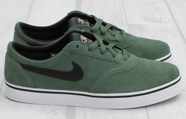 brand new 3a4ac db065 Buying Nike SB Shoes size 10